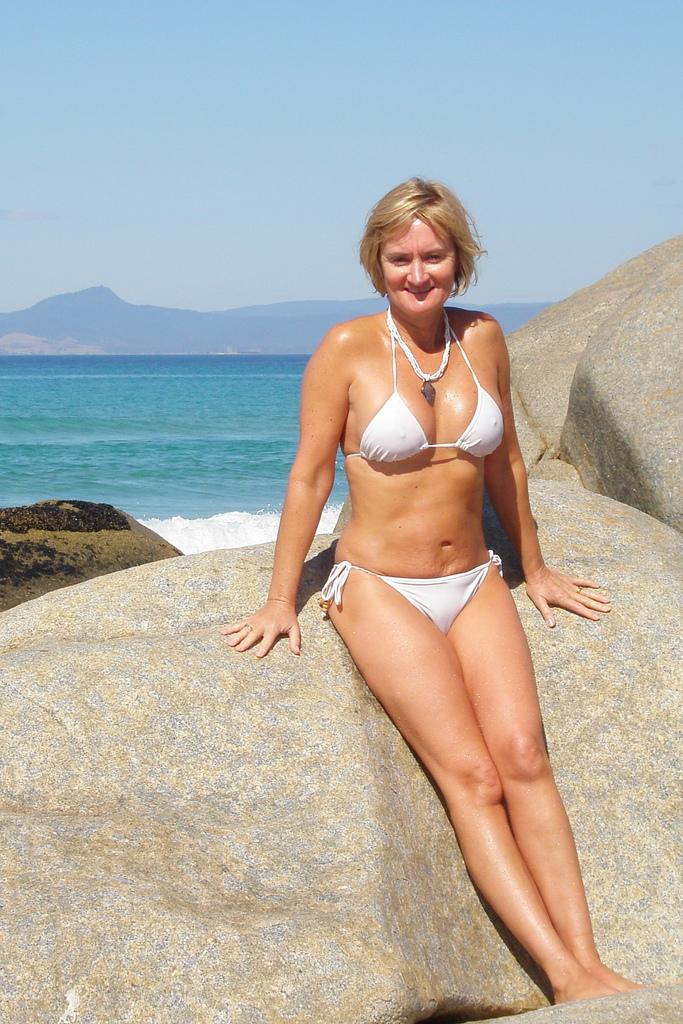 Claire sweeney bikini